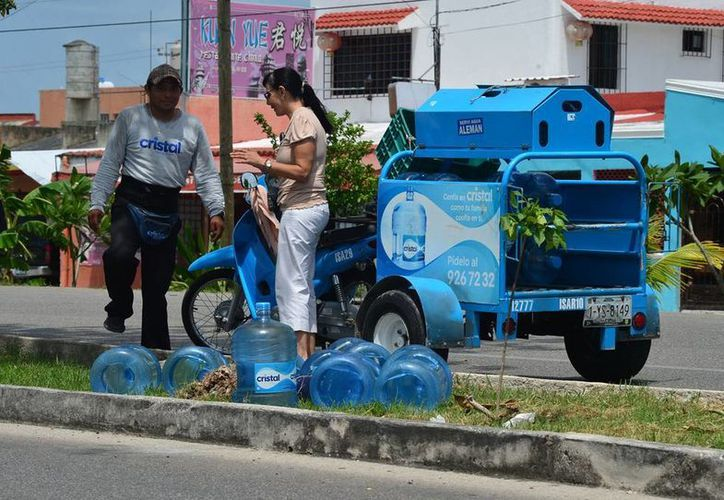 El consumo de agua se dispara por el calor en esta época. (SIPSE)