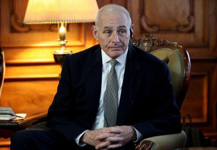 El secretario de Seguridad Interna de Estados Unidos, John F. Kelly, de visita en Guatemala, descartó deportaciones masivas de inmigrantes. (Notimex)
