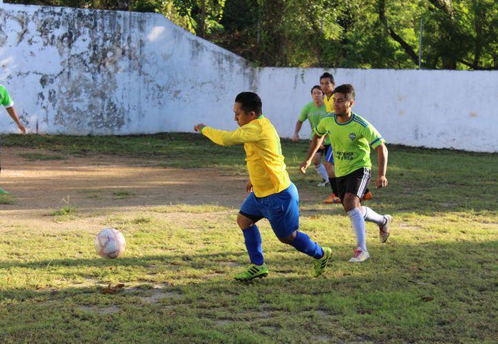 Los Titanes demostraron su potencial y golearon al Deportivo Suimey con definitivo 12-2.