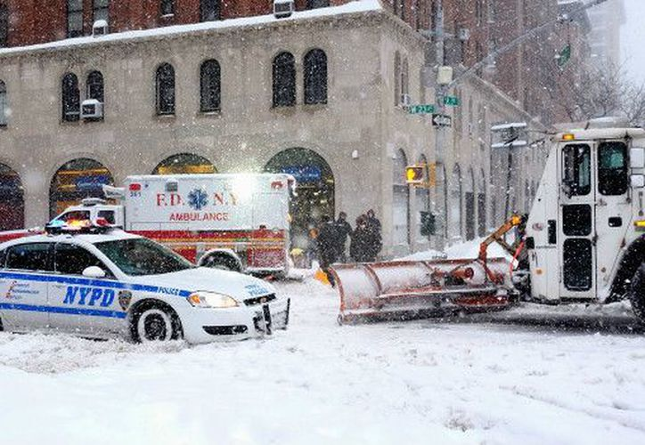 Las nieves más fuertes pueden llegar a alcanzar los 61 centímetros en Nueva York. (BBC).