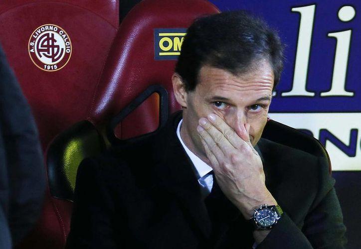 En su primera temporada al frente del AC MIlan, Allegri alzó el título de la Liga Italiana, pero fue la única ocasión y ahora fue despedido. (Agencias)