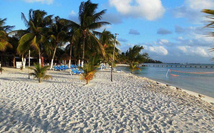 Ante el encarecimiento de los viajes -por la paridad precio-dólar-, las agencias de viajes de Yucatán ofrecerán a los yucatecos paquetes para viajar a la Riviera Maya. (SIPSE)
