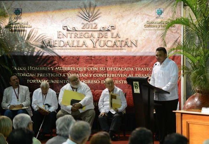 El registro para proponer al ganador de la Medalla Yucatán cerrará el próximo día 15, a las 20:00 horas. (Milenio Novedades/Archivo)