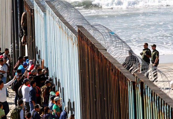 La caravana de migrantes salió a principios de octubre de Honduras, aunque a medida que han pasado las semanas otros ciudadanos centroamericanos se han unido a la marcha. (Notiamérica)