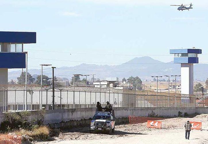 Logra amparo. La exdirectora jurídica del penal de El Altiplano, Leonor García, es señalada de presuntamente haber ayudado a la fuga de El Chapo Guzmán en julio del año pasado. (Reuters)