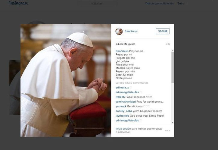 Con una fotografía suya, de rodillas, rezando, fue como el Papa Francisco estrenó su cuenta de Instagram. (instagram.com/franciscus)