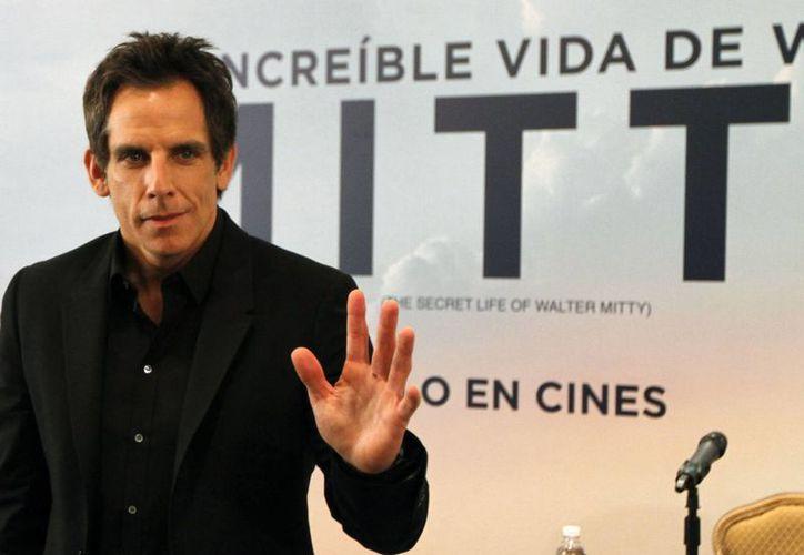 Ben Stiller señaló que le recomendaron ver la cinta No se aceptan devoluciones, ópera prima de Eugenio Derbez. (Notimex)