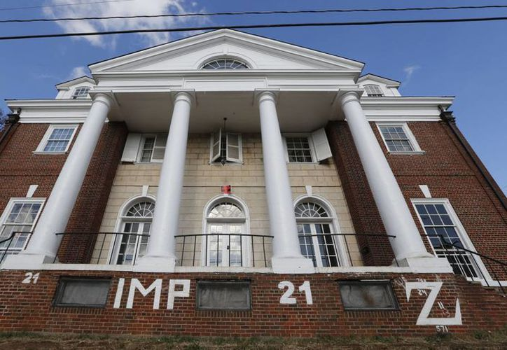 Fotografía de archivo del 24 de noviembre de 2014 de una casa de la fraternidad estudiantil Phi Kappa Psi en la Universidad de Virginia en Charlottesville, Virginia. (AP)
