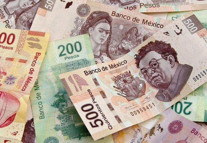 Conasami busca aumentar el salario mínimo cinco pesos. (Contexto/Internet).