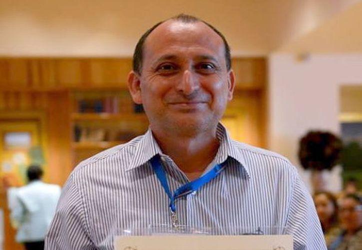 El profesor Freddy Góngora Cabrera es el Maestro Distinguido 2017 de Yucatán. (Milenio Novedades)