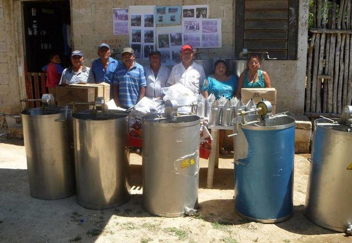 Los apicultores son de los ejidos de Lázaro Cárdenas. (Raúl Balam/SIPSE)