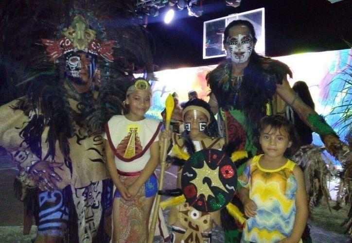 Utilizaron una serie de disfraces durante el evento. (Raúl Balam/SIPSE)