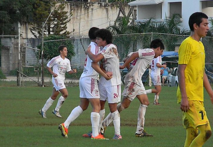 El equipo de Yamalkán sorprendió al grupo uno con sus tres victorias y un empate. (Ángel Mazariego/SIPSE)