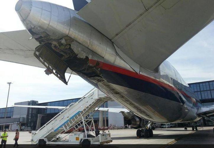 Esta foto circula en las redes sociales asegurando que es el avión averiado. (Twitter)