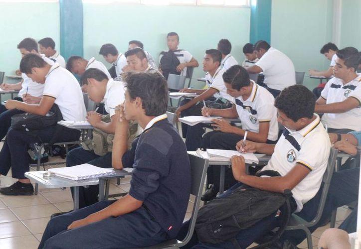 El sistema educativo enfrenta un crecimiento en la matrícula. (Adrián Barreto/ SIPSE)