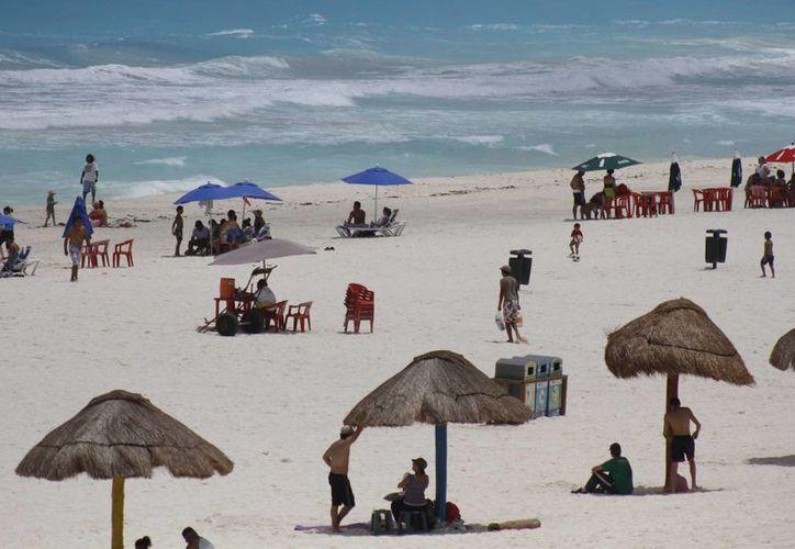 Empresas canadienses pretendenexpander sus vuelos a Cancún. (Renán Moguel/SIPSE)