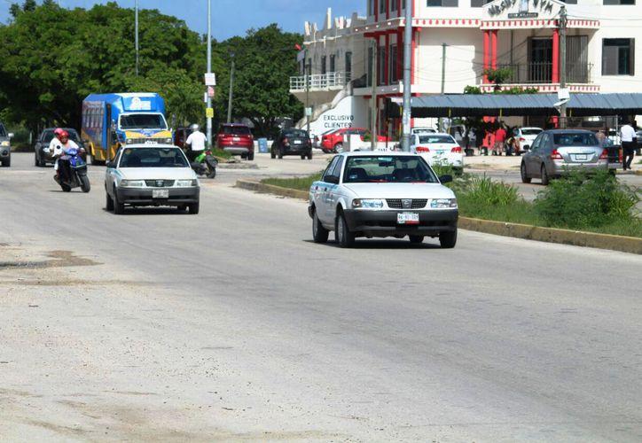 Los vehículos de este tipo ya no serán emplacados como taxis por ser inseguros. (Octavio Martínez/SIPSE)