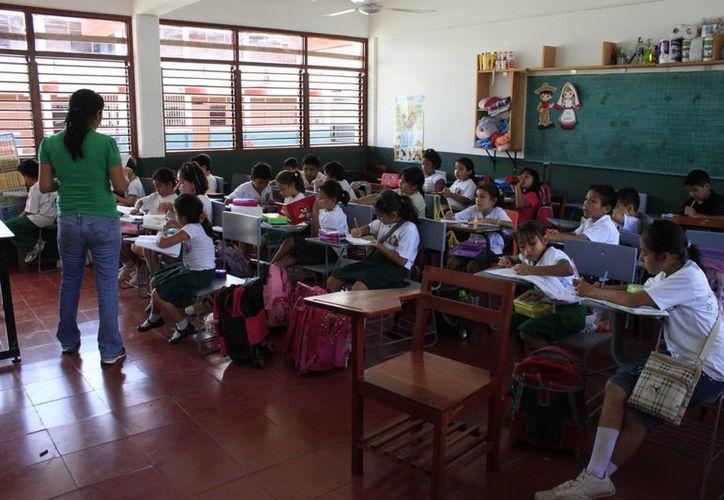 La evaluación tomó en cuenta la infraestructura física del plantel; el cumplimiento de los horarios y participación de los padres. (Benjamín Pat/SIPSE)