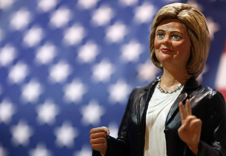 Nadie se ha adjudicado la autoría de una estatua de Hillary Clinton desnuda en NY. La imagen corresponde a una estatua realizada en Italia como parte de la campaña presidencial de la demócrata. (Cesare Abbate/ANSA)