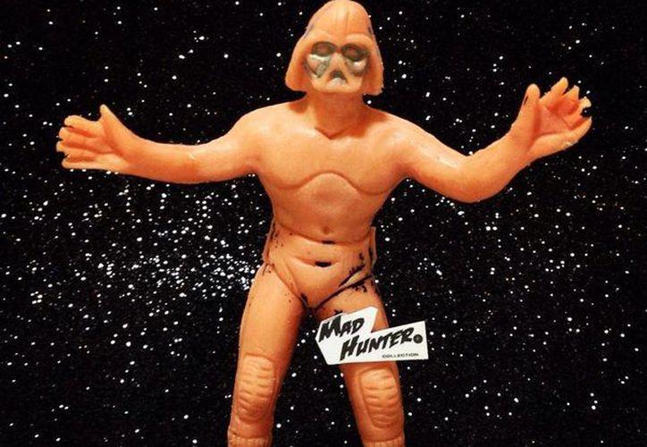 Una de las figuras de Darth Vader en material de plástico antiguo. (Foto tomada del Facebook Madhunter Juguetes Antiguos)