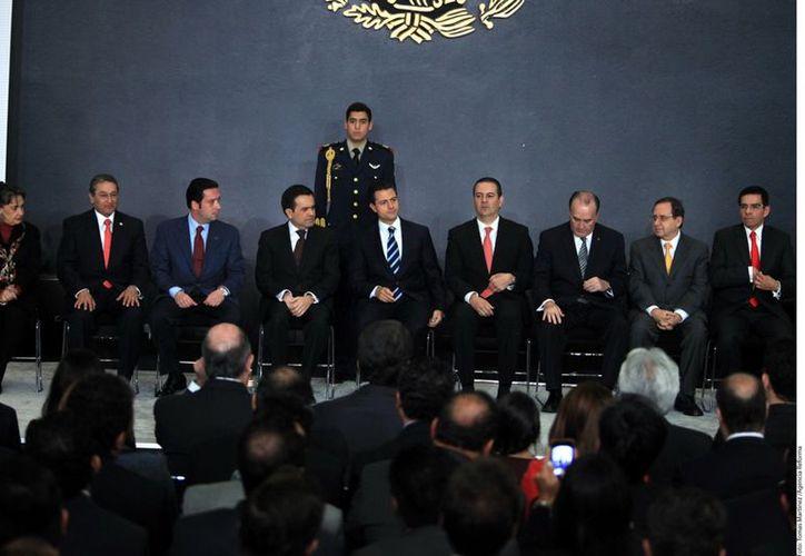 Enrique Peña Nieto se reunió con empresarios y emprendedores destacados el país. (Agencia Reforma)