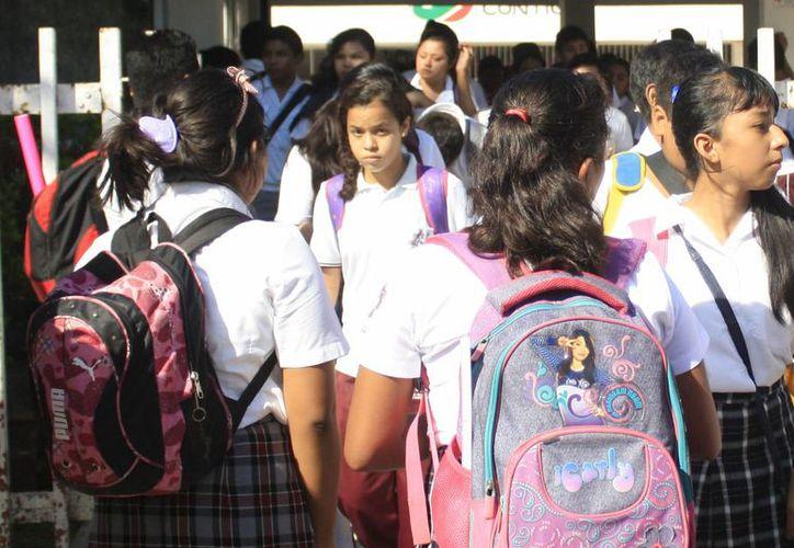 Censo en escuelas ha sufrido atrasos en10 entidades federativas. (Harold Alcocer/SIPSE)