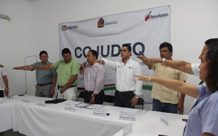 El titular de la Cojudeq realizó la toma de protesta. (Redacción/SIPSE)