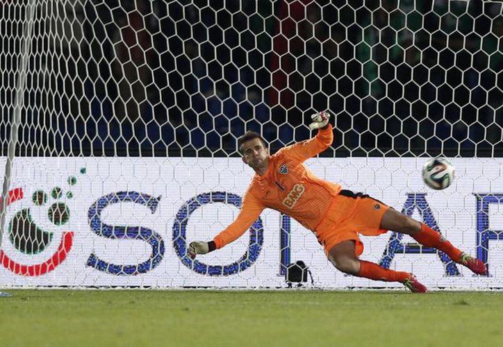 Moshine Moutaouali anotó el segundo gol del Raja al minuto 84, lo que demuestra que el Mineiro no reaccionó ni siquiera al final del duelo. (Agencias)
