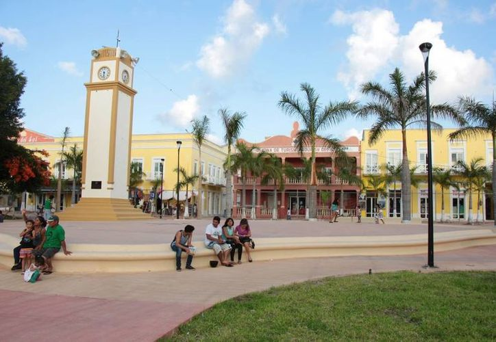 Se prevé que a mediados del próximo mes sea inaugurado oficialmente el moderno parque Benito Juárez. (Gustavo Villegas/SIPSE)