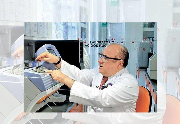 Horacio Astudillo de la Vega, director científico y presidente del Consejo del Grupo de Investigación de biología molecular Nanopharmacia Diagnóstica, explicó el uso de la tecnología Ion Torrent. (Juan Carlos Bautista/Milenio)