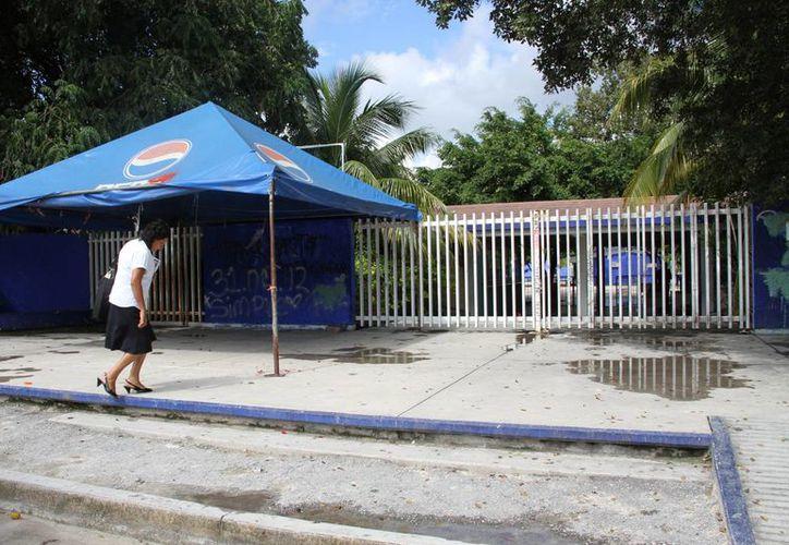 """La escuela Secundaria Técnica 20 """"Rafael Ramírez Castañeda"""", se localiza en la Región 221. (Tomás Álvarez/SIPSE)"""