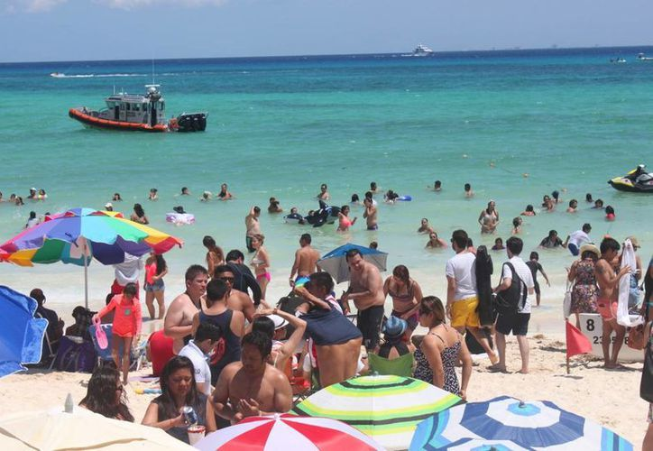 De acuerdo a los registros, en Semana Santa del 2014, la afluencia en las playas fue de ocho mil personas. (Daniel Pacheco/SIPSE)