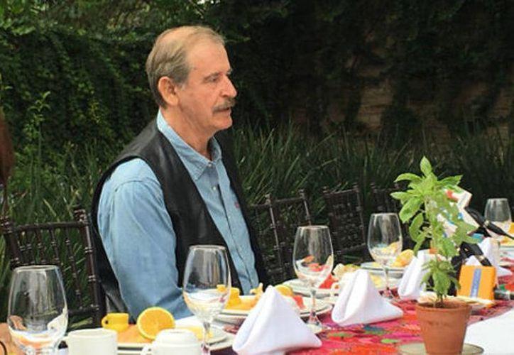 En su visita por Guanajuato, el expresidente de México, Vicente Fox Quesada se pregunto qué ganan quitándole su pensión, si de ese dinero vive. (Alfonsina Ávila/Milenio)