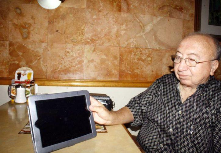 El astrónomo yucateco Eddie Salazar Gamboa invita a observar la lluvia de estrellas que ocurrirá del 6 al 19 de diciembre próximos. (SIPSE)