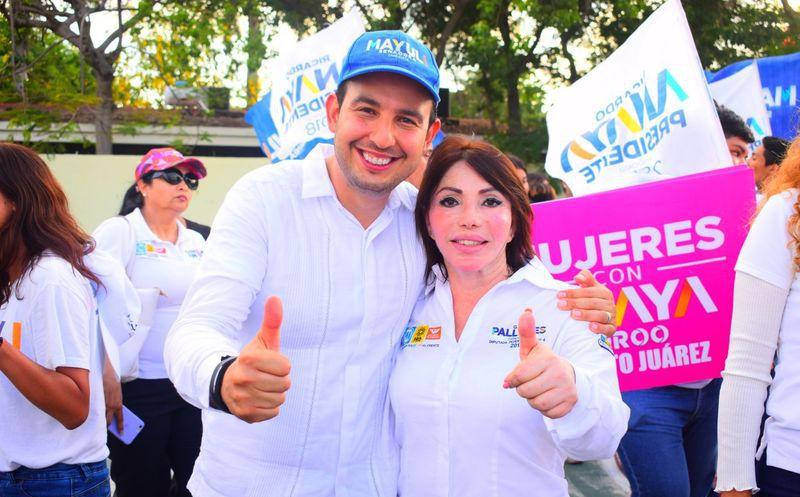 Al participar en la caminata por la paz, dentro de su Distrito, el 04, Gaby Pallares, convoca a la población a votar por una opción que represente paz y seguridad para Cancún. (Redacción/SIPSE)