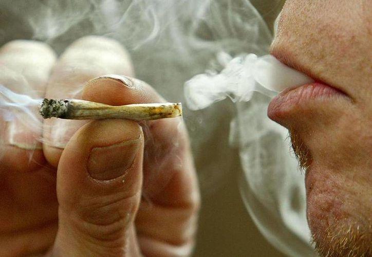 El consumo de la marihuana produce alteraciones psicológicas, pulmonares, cardiacas y nerviosas. (Contexto/Internet)