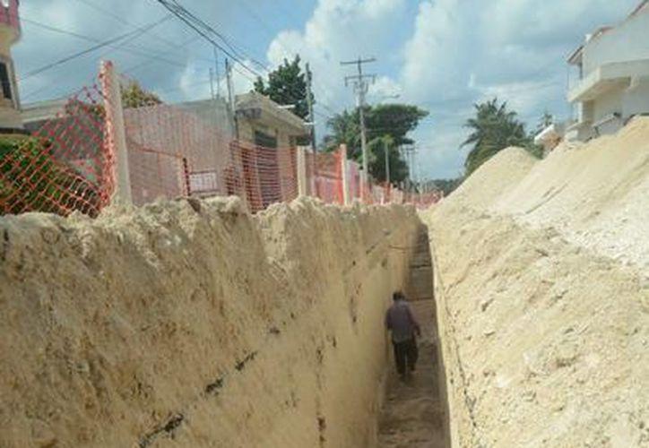 La CAPA anunció que ya finalizaron los trabajos de instalación de drenaje y saneamiento en el primer cuadro de Tulum.  (Redacción/SIPSE)