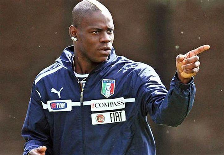 Se identificó a tres jóvenes, entre los que estaría quien insultó a Balotelli. (Archivo/Agencias)