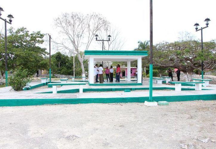 Las autoridades y los habitantes han atendido algunos parques. (Raúl Balam/SIPSE)