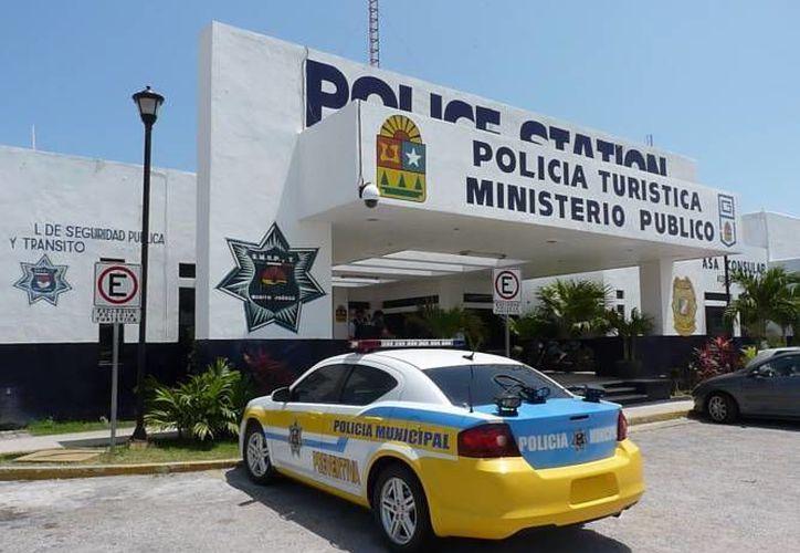 Los turistas que cometan alguna falta serán trasladados a las instalaciones de la Policía Turística. (Eric Galindo/SIPSE)