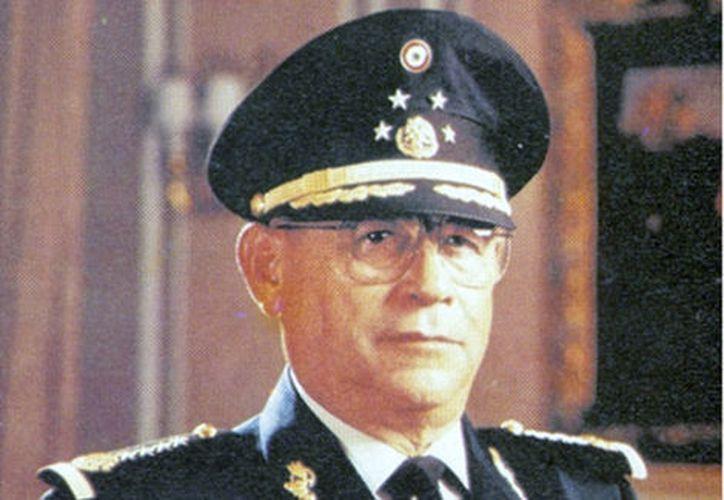 Riviello Bazán, quien nació el 21 de noviembre de 1926, egresó del Heroico Colegio Militar como subteniente de Infantería. (Especial)