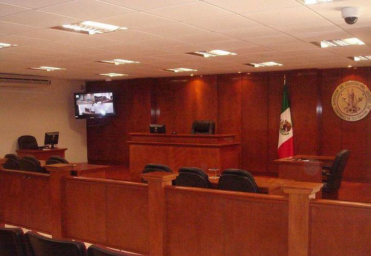 El próximo 3 de junio -una vez que las salas de juicio oral (foto) ya está concluidas-, iniciará su aplicación en el Distrito, el cual abarca la capital Mérida. (poderjudicial.gob.df)