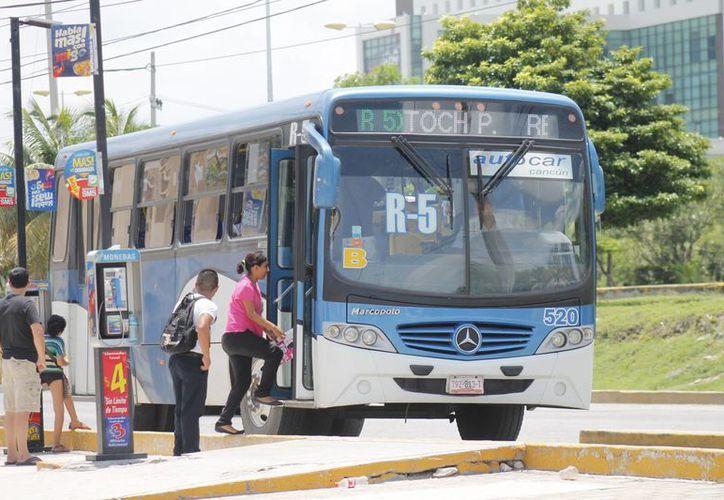 Concesionarias evalúan un futuro incremento en las tarifas del transporte. (Jesús Tijerina/SIPSE)