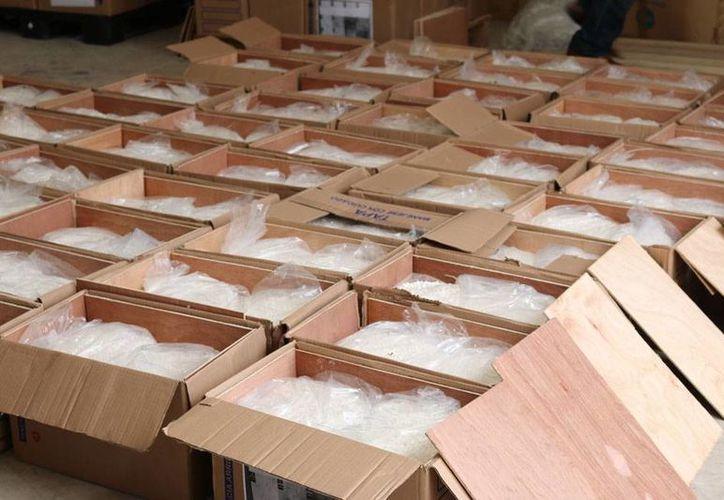 Las autoridades decomisaron 3.5 toneladas de anfetaminas que se encontraban 'empaquetadas' para su envío, en una empresa de mensajería de Mérida. (Milenio Novedades)