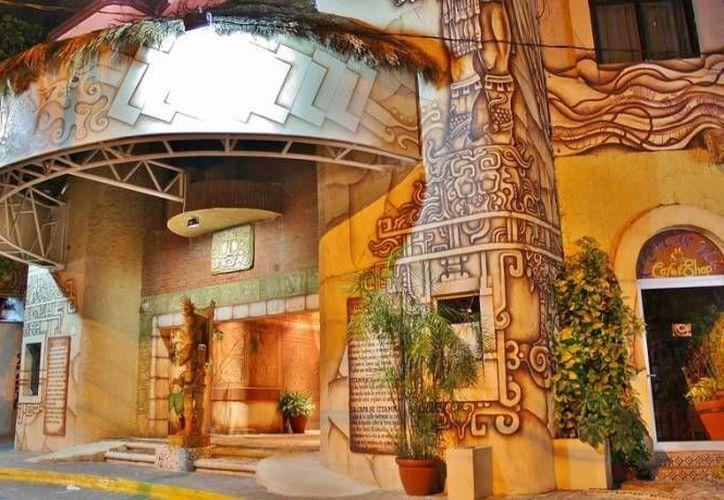 """La obra """"Cuentos de ¿villanos?"""" se presenta los sábados en el Teatro Xbalamqué. (Redacción/SIPSE)"""