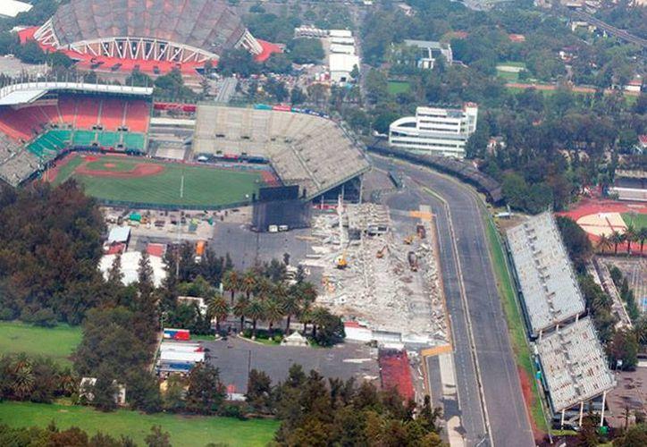 Vista aérea del trazo del autódromo Hermanos Rodríguez, en donde se correrá el Gran Premio de México. El precio del mejor lugar para disfrutar de la carrera rebasa los 18 mil pesos.(excelsior.com.mx)