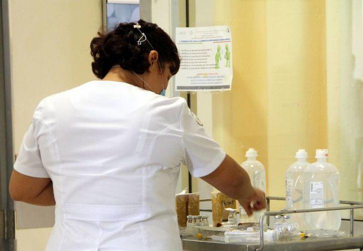 """En el marco de la celebración del Día de la Enfermera se realizarán las Jornadas Académicas  """"Enfermería ante un nuevo reto… Bienestar materno libre de violencia"""". (Milenio Novedades)"""