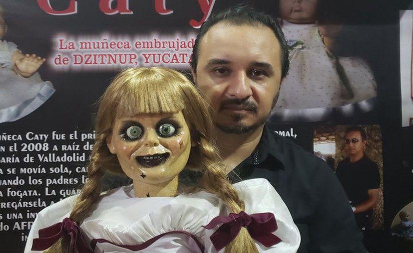 Anabelle y el investigador paranormal, Jorge Moreno. (Facebook/Jorge Moreno)