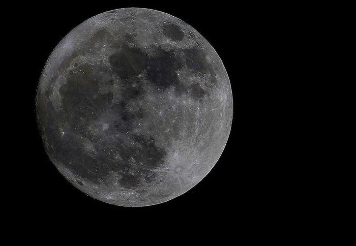 La ultima súper luna del año podrá ser observada en la isla de las golondrinas desde las instalaciones de planetario Cha'an Ka'an. (Gustavo Villegas/ SIPSE)