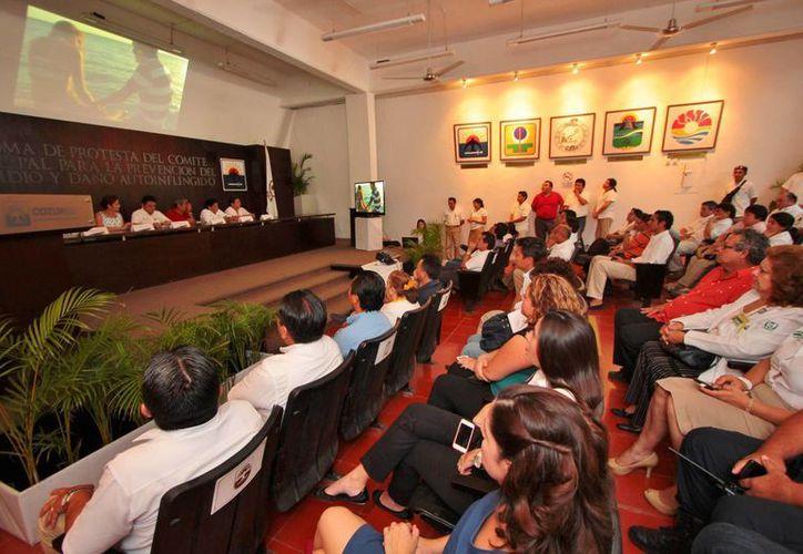 El material audiovisual fue elaborado por alumnos y maestros de la Universidad Interamericana para el Desarrollo (Unid) Cozumel. (Gustavo Villegas/SIPSE)